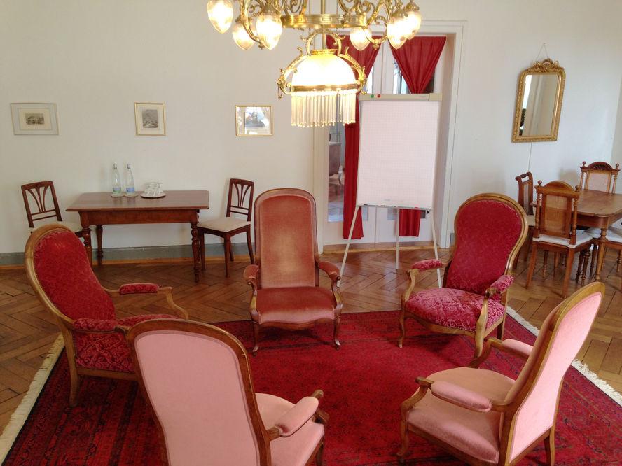 alte stube hotel terrasse am see. Black Bedroom Furniture Sets. Home Design Ideas