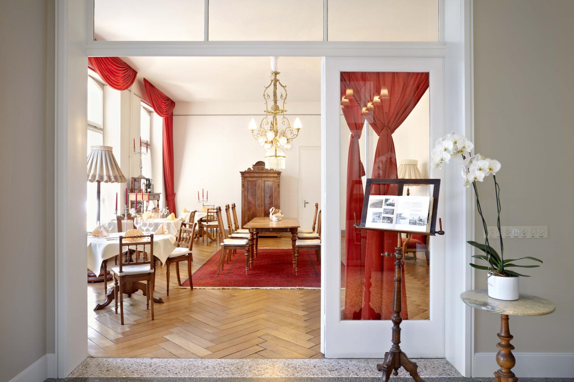 winterrestaurant hotel terrasse am see. Black Bedroom Furniture Sets. Home Design Ideas